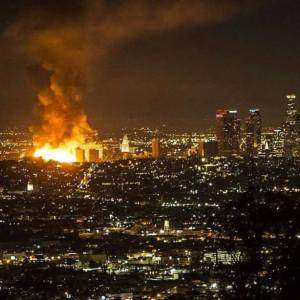 Down-Town-LA-Fire-Photos1-e1418045803329